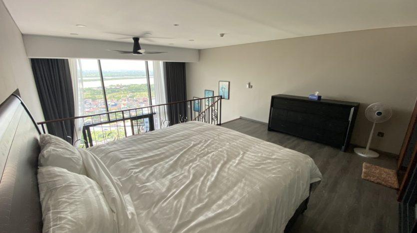 Cho thuê căn hộ 1 phòng ngủ hướng sông tại Penstudio 8