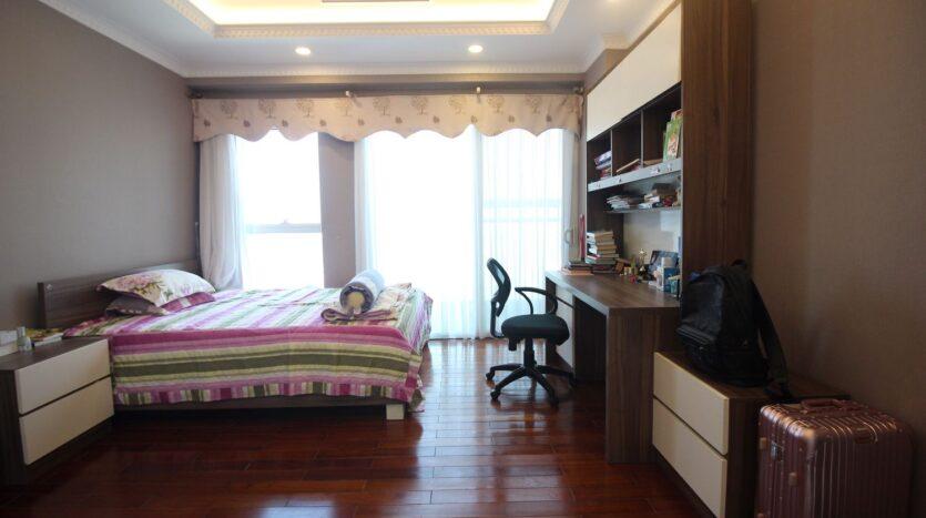 bán căn hộ 267m2 ciputra 11