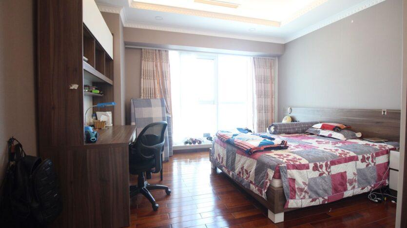 bán căn hộ 267m2 ciputra 6