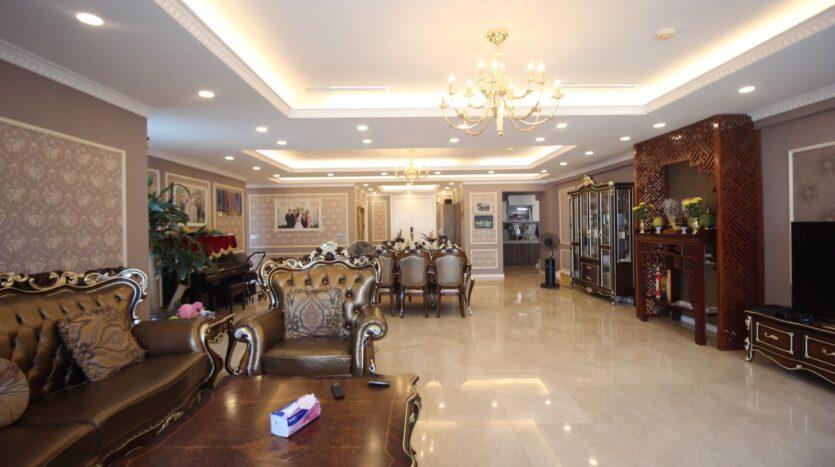 bán căn hộ 267m2 ciputra 8